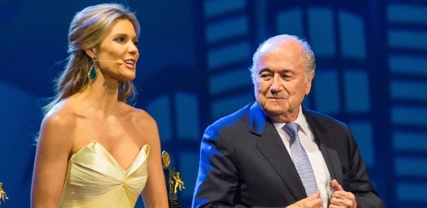 巴西女神批马塞洛浩克 低胸装疑遭布拉特偷瞄