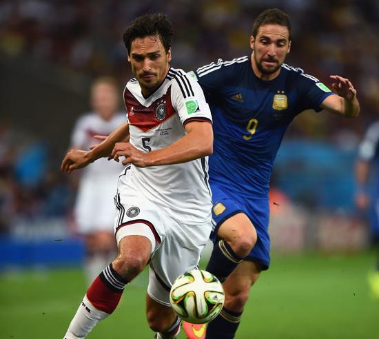 胡梅尔斯:夺冠因比阿根廷走运 带伤拼出胜利