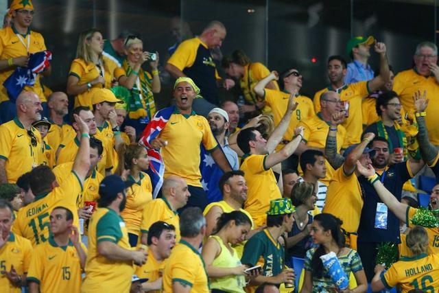 澳球迷驱车12小时 只为观看国足训练20分钟
