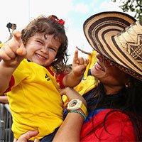 哥伦比亚球迷盛装为主队加油