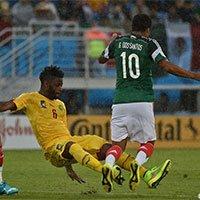 高清:墨西哥1-0喀麦隆 宋飞踹多斯桑托斯