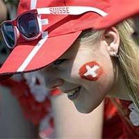 瑞士美女球迷清新抢镜