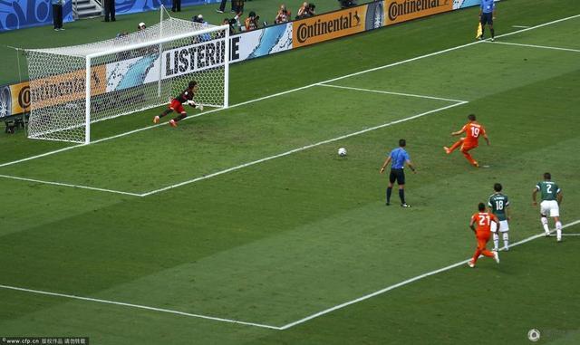 亨特拉尔:坚持就是胜利 罗本让点球给我踢