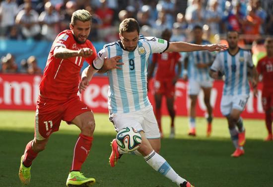 瑞士小贝尴尬告别世界杯 抢断王险零封阿根廷