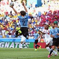 卢加诺在被对方先犯规的情况下在空中手球