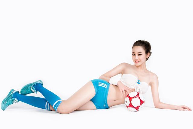 世界杯7月10日美女看彩:阿根廷全力拼胜晋级