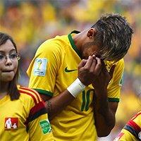 巴西内马尔开场激动流泪