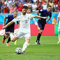 高清:西班牙阿隆索争议点球助卫冕冠军领先