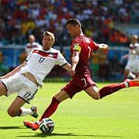 葡萄牙C罗比赛中大力抽射