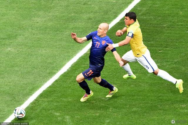 【球探】罗本:世界杯最强个体!他扛着荷兰前行