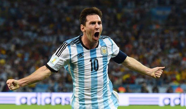 (资料图:2014巴西世界杯小组赛,阿根廷2-1波黑,图为梅西庆祝进球;cfp图片