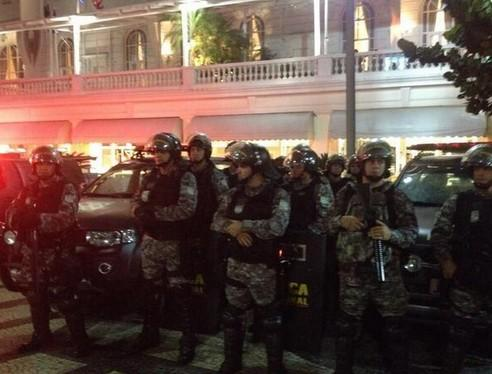 巴西主要城市全城戒备 坦克待命!骚乱现枪声