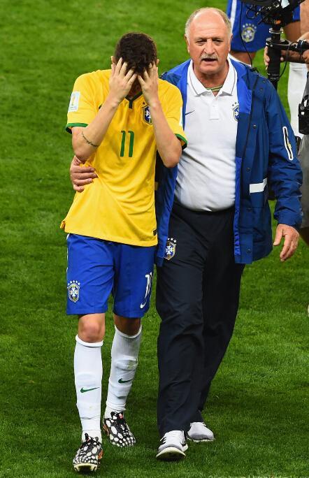 斯科拉里:为惨败负责 即使内马尔在也会输球