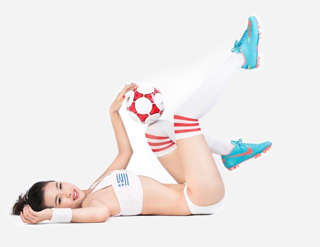 世界杯6月20日美女看彩:美女看日本完胜希腊