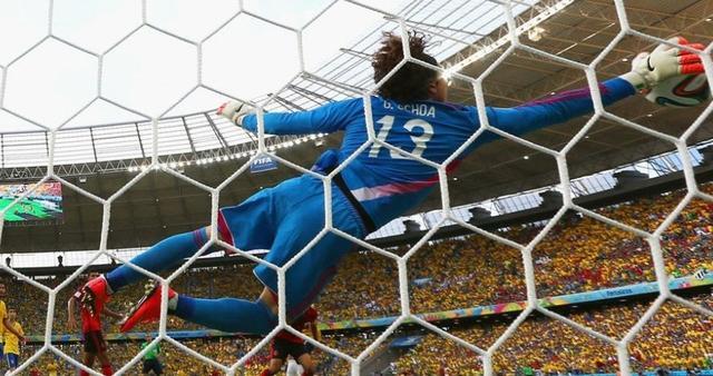豪门必夺世界杯红人:巴萨定苏神  皇马求J罗