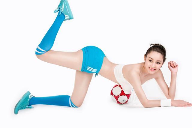 世界杯7月5日美女看彩:阿根廷后防烂恐遇冷
