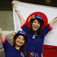 日本美女球迷激情助威球队