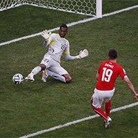 瑞士德尔米奇越位进球被吹