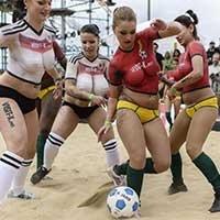 声援德国队 女优世界杯柏林开踢