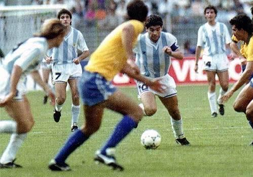 梅西迪马利亚复制神奇瞬间 这一刻梦回1990