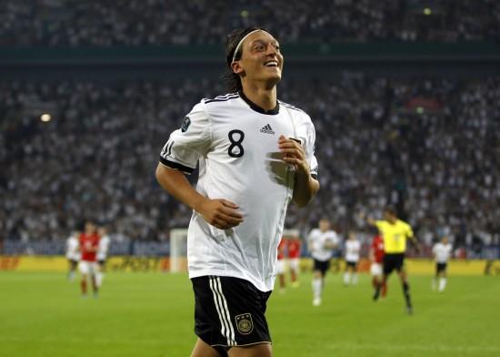 勒夫:厄齐尔不在最佳 世界杯他将满血回归