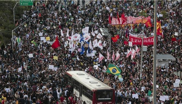 CNN:世界杯让巴西土豪更富 穷人更穷