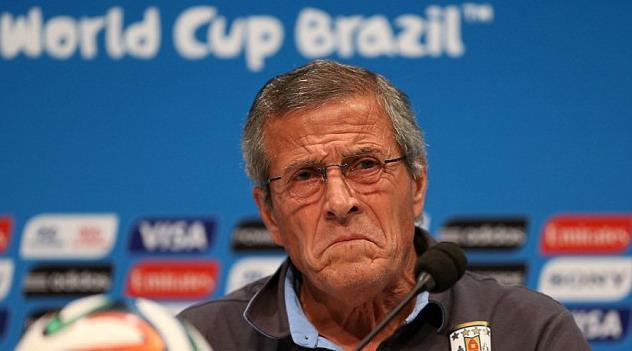 乌拉圭老帅怒辞FIFA职务 基耶利尼凭啥不罚?