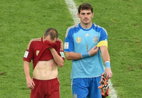 西班牙两战出局五败因:糟糕防线+低迷前锋