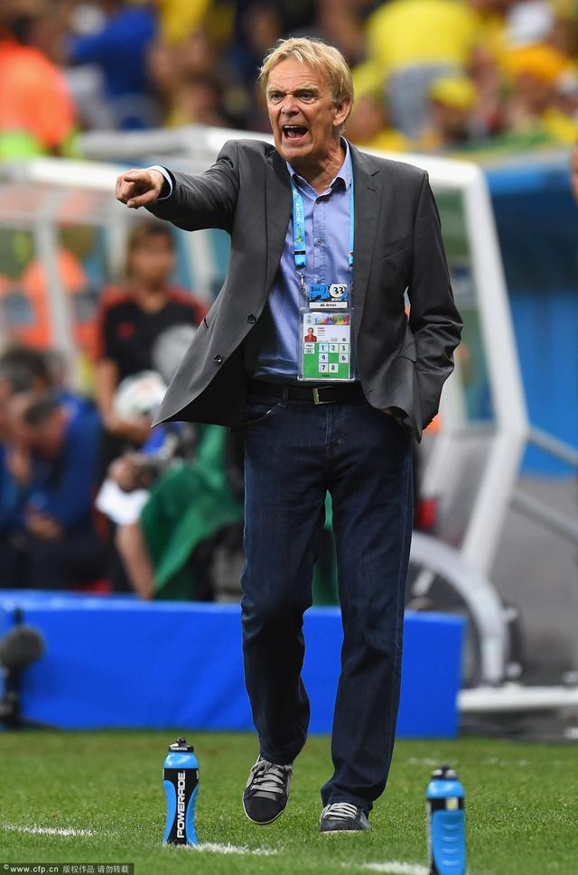 喀麦隆主帅:世界杯无胜失望 埃托奥有伤没上