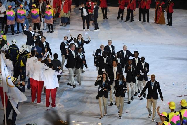 最浓人情味:朝韩选手经典自拍 奥运精神传承