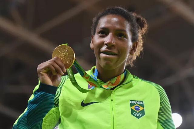 巴西奥运首金得主宣布出柜 与伴侣已生活三年