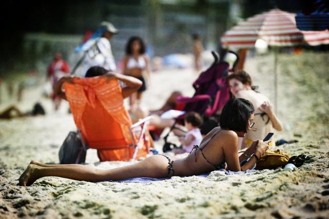 里约风情:因为比基尼 这里成为了男性的天堂