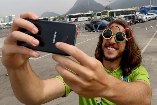 留下最热情微笑 来自巴西里约的友好问候