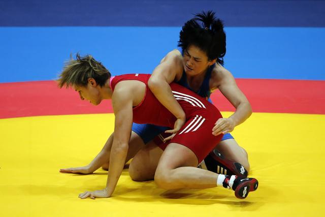 自由式摔跤女子69kg 周凤负德国选手无缘八强