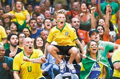 """巴西观众总爱""""自嗨"""" 这事让巴赫也很无奈"""