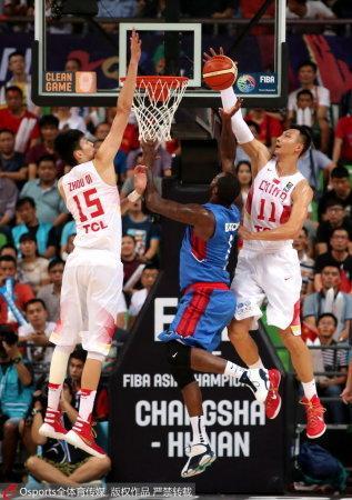 跌入历史谷底 中国男篮最大问题是选错参照物