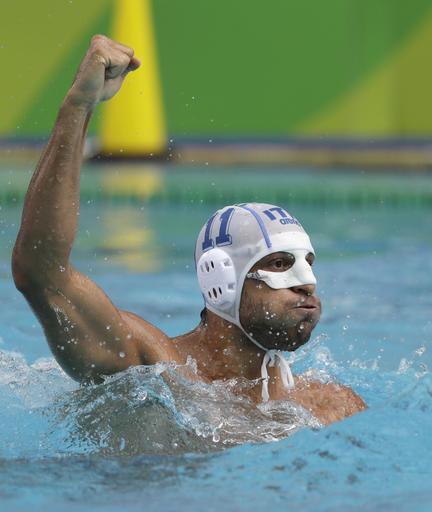 意水球选手鼻子断了舞狮v水球率队坚持取胜曲叫什么名字图片
