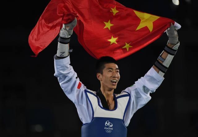 回眸里约-中国军团十大突破 女排夺冠激动人心
