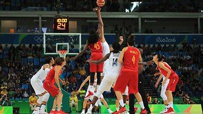 女篮金牌争夺战 美国力克西班牙摘金