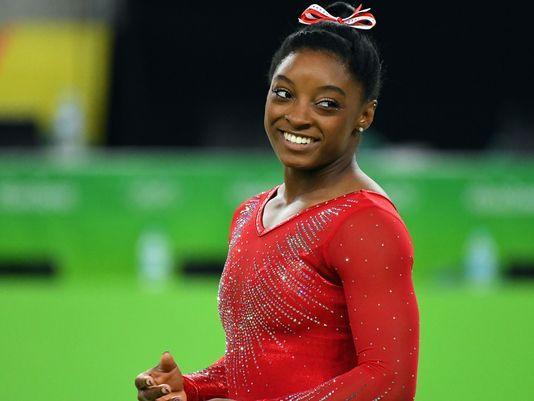 拜尔斯将担任闭幕式美国旗手 成美体操界第2人