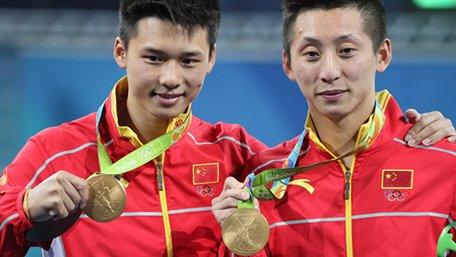 魏纪中:中国代表团逆境作战别急躁