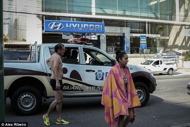 英媒聚焦奥运抢劫事件:一游客偷得只剩内裤