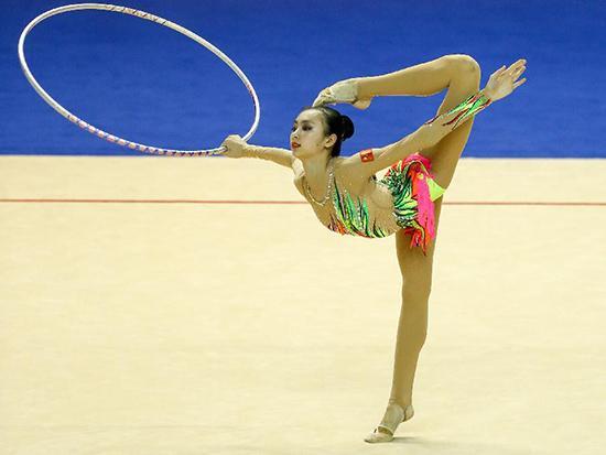 """最美奥运项目今晚开赛 一起欣赏""""逆天长腿"""""""
