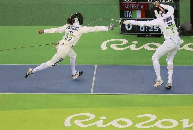 现代五项女子击剑排名赛 中国双姝暂列四五位