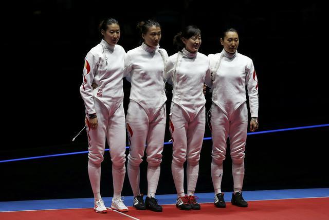 中国女子重剑队告负夺银牌 卫冕冠军失败
