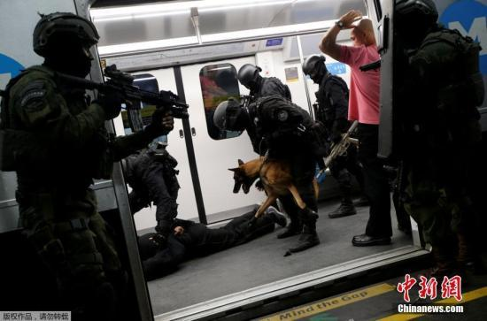 军警里约遭袭被射杀 巴西代总统宣布全国哀悼