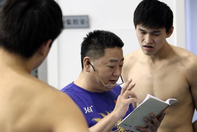 教练:顶住伤病和外界压力 孙杨创造了新奇迹