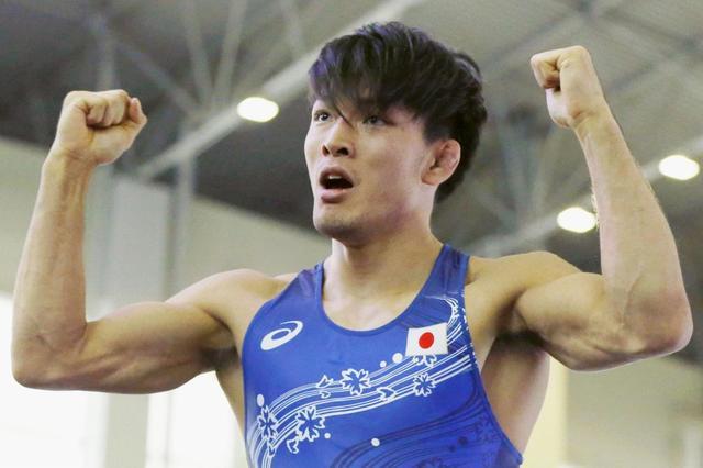 自由式摔跤男子57kg 格鲁吉亚日本决赛争金牌