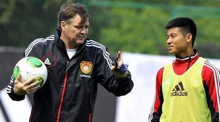 为啥中国足球出不了郎平?咱们还是先聊聊体制