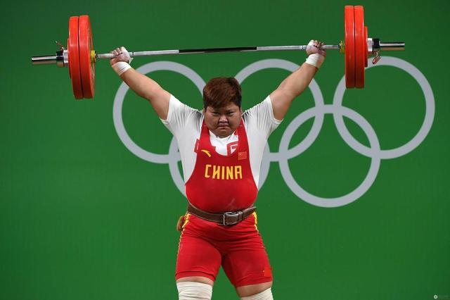 女子举重75公斤以上级历届前三 孟苏平获金牌